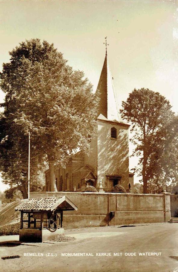 Monumentaal kerkje